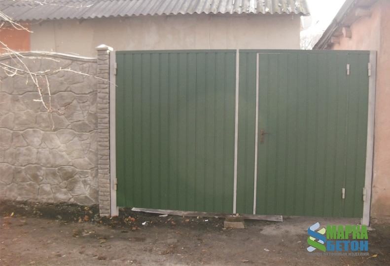 ворота из профнастила с калиткой внутри